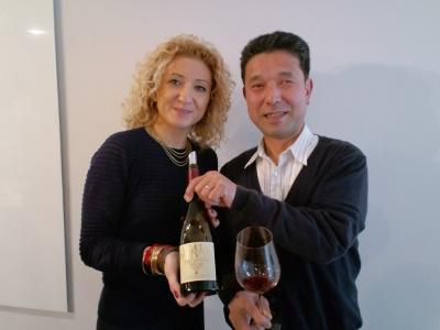 アバツィア・ディ・ノヴァチェッラ輸出部長コスタンツァ・マーグさんと店長