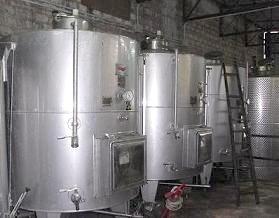 ヴァディアペルティの圧搾タンク