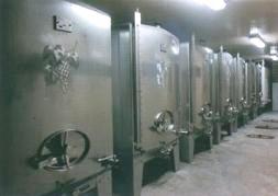 サアディ マロの醸造タンク